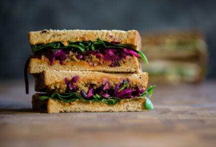 Falafel chili sandwich