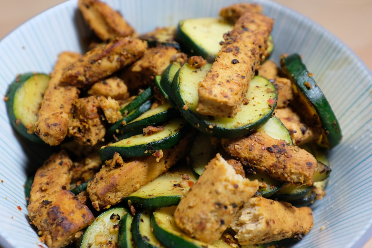 Plant-based meat with zucchini