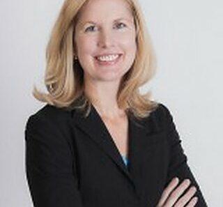Laura Braden headshot
